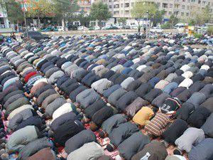 Teravih kıldıracak jet imamlar yandı