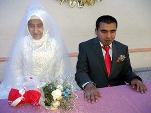 Görme engelli çift evlendi