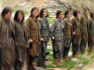 Kadın PKKlı teslim oldu
