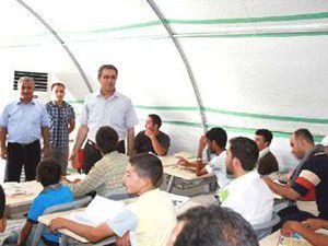 7 bin Suriyeliye çadırkentte eğitim veriliyor
