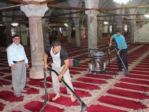 Ereğlide camiler Ramazana hazırlanıyor