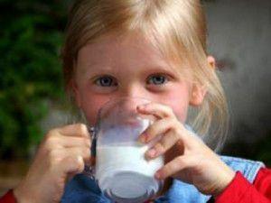 Süte çamaşır sodası katılıyor!