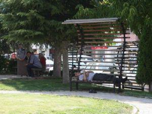 Beyşehirde parklarda şekerleme keyfi