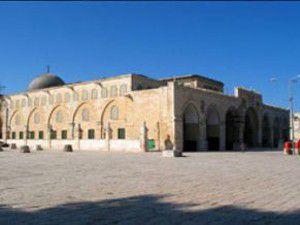 İsrail askerleri Mescid-i Aksaya girişi engelledi