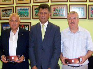 Milletvekillerinden Konyaspora destek