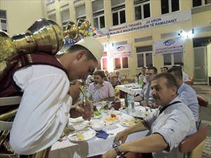 Kimse Yok mu, Balkan ülkelerinde iftar yaptı