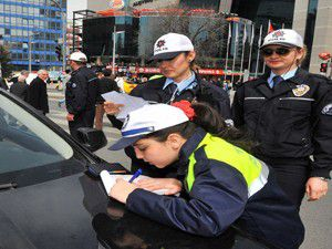 Artık her polis trafik cezası kesebilecek