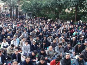 Müslümanların Oruç tutması yasaklandı