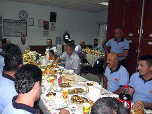 Başkan Oğul itfayecilerle iftar yaptı