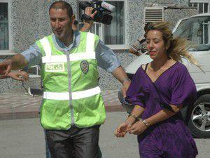Bakımlı kadın hırsızlar yakalandı