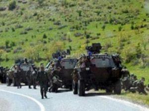 Teröristler 3 askeri kaçırdı