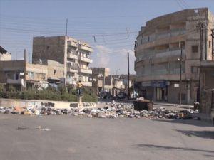 Halepte savaş nedeniyle çöp yığınları oluştu