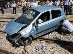 Konyada Tramvay Otomobil ile Çarpıştı: 5 Yaralı