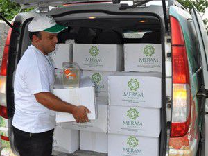 Hedef 10 bin paket yardım