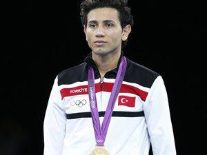 Olimpiyatlarda ilk altın madalya geldi