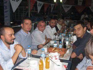 CHP Gençlik Kolları iftar yemeği verdi