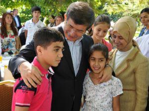 """Davutoğlu: """"Şehitlerin emanetine sahip çıkacağız"""""""