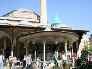Yerli turistler Mevlana Müzesine rehber istiyor