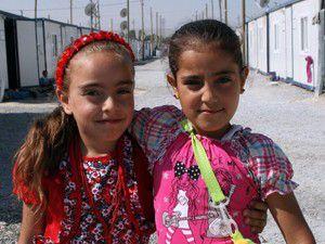 Depremzede çocuklar okulların açılmasını bekliyor