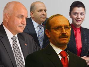 AK Parti Milletvekilleri Zafer Bayramını kutladı