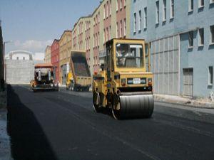 Karatayda asfaltlama çalışmaları sürüyor