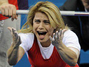 Konyalı sporcuya Gülden tebrik