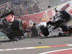 Formula 1de zincirleme kaza!