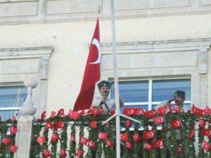 İzmirde Bayrak çekilmeyecek!