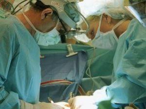 Doktora iyileştirdiği hastaya göre para