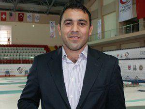 """""""Asrın güreşçisi"""" federasyon başkanlığına aday"""