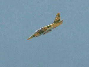 Esede bağlı uçak Türkiye sınırına yakın köyü vurdu