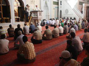 İngilizler bir aylığına Müslüman oluyor