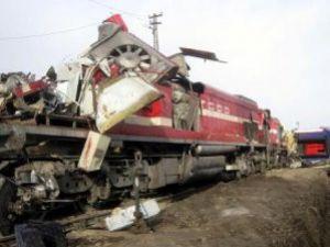 Çankırıda İki Tren Çarpıştı