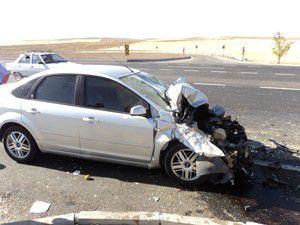 Otomobil ile işçi servisi çarpıştı: 7 yaralı
