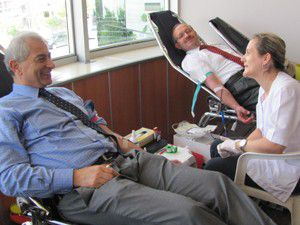 Ak Parti Konyadan kan bağışı