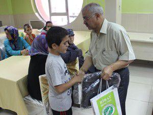 Ribattan 500 aileye kırtasiye yardımı