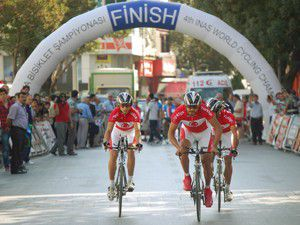 Özel sporcularda Türkiye şampiyon