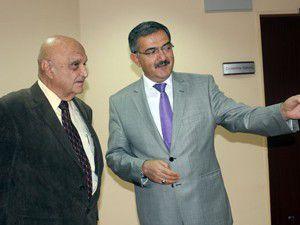 Dünyaca ünlü cerrah Selçuk Tıpta seminer verdi