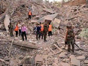 Halepte peş peşe patlamalar: 40 ölü