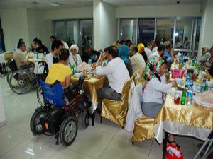 Hançerli, engellilerle iftar yemeğinde buluştu