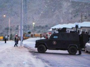 mayın polis ekibinin geçişi sırasında patladı