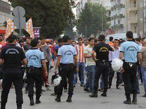 Adana derbisi öncesi kavga!