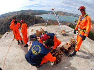 İtfaiye personeline kurtarma eğitimi veriliyor