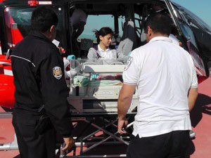 Ambulans helikopteri ikiz bebekler için havalandı