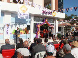 Adesenin Çumradaki ikinci marketi açıldı
