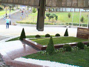 Turgut Özalın mezarı yeniden ziyarete açıldı