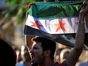 Suriyede namaz sonrası halk sokaklarda