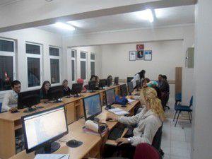 Akşehirde bilgisayarlı muhasebe kursu başladı