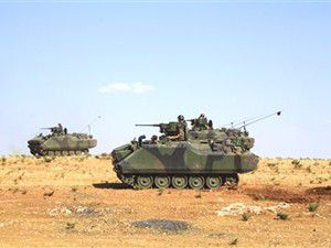 Tanklar sınırda