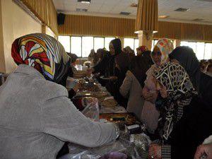Gönüllü Hanımlar Derneğinden öğrencilere burs